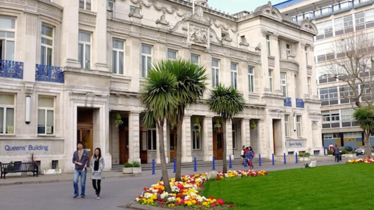جامعة كوين ماري في لندن
